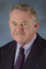 David Block, director emeritus of FSEC, receives national recognition from the International Renewable Energy Council.